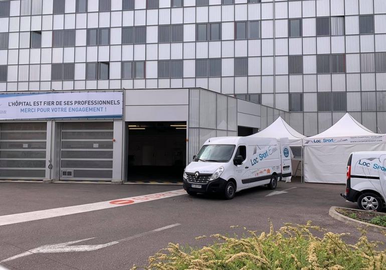 zadaszenie przed szpitalem poczekalnia namioty vitabri v3