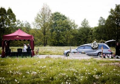 Namiot na ceremonie pogrzebowe