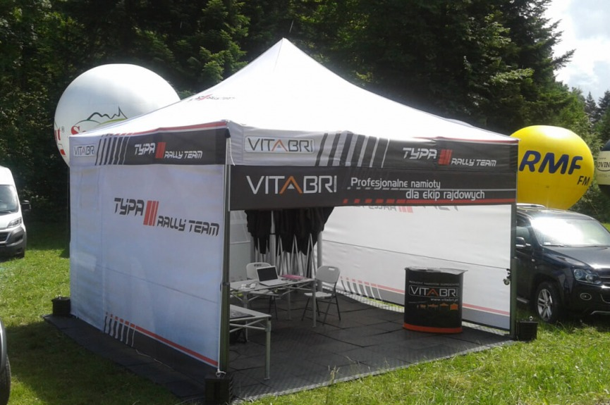 Namiot serwisowy VITABRI ekipa rajdowa Typa
