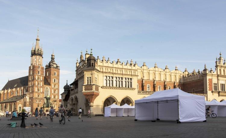 targ rynek główny Krakow namioty VITABRI V3