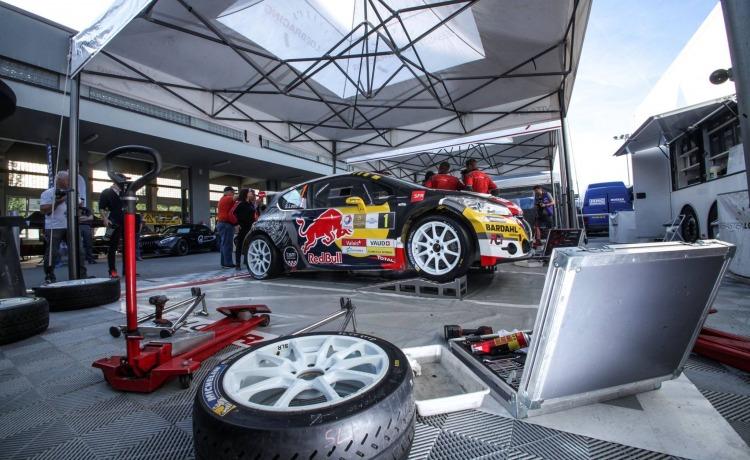 punkt serwisowy namiot rajdowy vitabri motorsport sebastien loebb vitabri v2