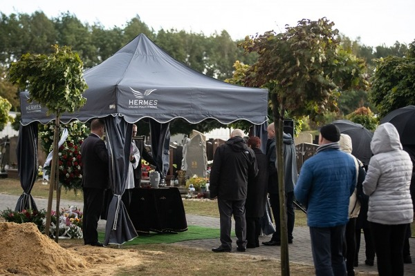 Namioty pogrzebowe